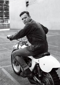 Ewan McGregor by Lorenzo Agius | Menswear | Homotography