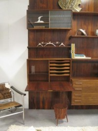 Sneak Preview: The International Antiques Fair   Apartment Therapy