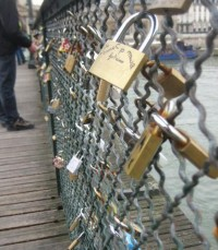 Lock Bridge In Paris | LUUUX