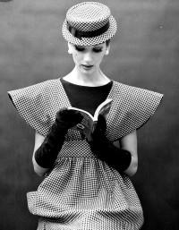 Model: Simone d'Aillencourt | Who Designed It?