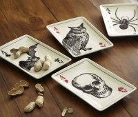 Ace of Skulls Appetizer Plates | Cool Material