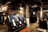 wrangler flagship store in leipzig, germany by checkland kindleysides