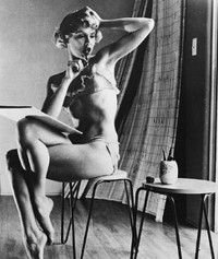 Blonde Maila Nurmi as a pin-up girl. At the age...