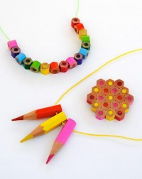 Colgantes con lápices de colores - Guía de MANUALIDADES