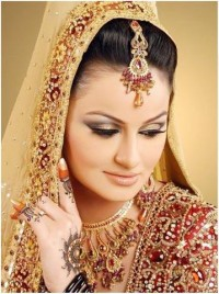 Natural Looking Bridal Makeup Tips -StyleCraze