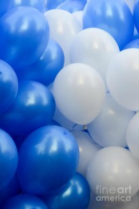 blue-and-white-balloons-amir-paz.jpg (596×900)