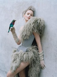 Google Afbeeldingen resultaat voor http://ilovegreeninspiration.files.wordpress.com/2012/11/jennifer-lawrence-by-tim-walker-for-w-october-l-6ka2yh.jpg