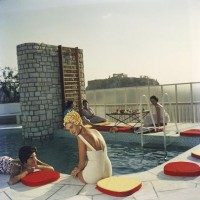 Yellow Korner : Photograph : Penthouse Pool - Slim Aarons