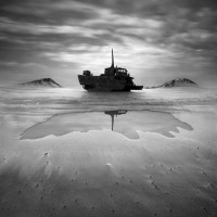 Fotoblur - Shipwreck by Dariusz Klimczak