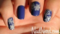 Google Image Result for http://www.nailnerd.com/wp-content/uploads/2012/12/Christmas-nail-art.jpg