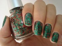 Google Image Result for http://indesignartandcraft.com/wp-content/uploads/2012/11/nail-christmas-art.jpg
