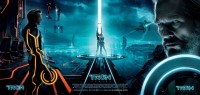 Google Image Result for http://coolpapaesreviews.files.wordpress.com/2011/04/tron_legacy_poster.jpg