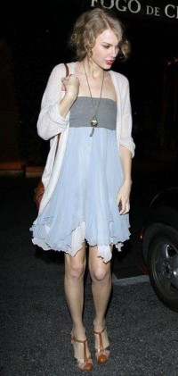 Taylor Swift Fashion and Style - Taylor Swift Dress, Clothes, Hairstyle - Page 31