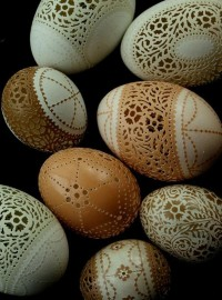 Fine Victorian Lace: Delicate Carvings in Eggshells
