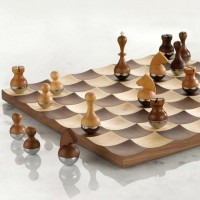 Wobble Chess Set By Umbra | Fancy Crave