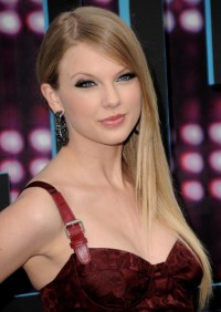 blondes,women blondes women taylor swift celebrity earrings 2124x3000 wallpaper – blondes,women blondes women taylor swift celebrity earrings 2124x3000 wallpaper – Female Celebrities Wallpaper – Desktop Wallpaper