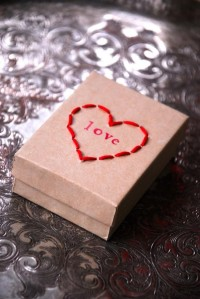 Stitched Heart Box | Family Chic by Camilla Fabbri ©2009-2012. All rights reserved. The blog
