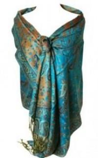 Porter une étole pashmina avec allure « Miss Panti parle de la mode