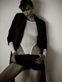 Fashion — Karlie Kloss by Mariano Vivanco for Muse Magazine