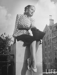 Moda na dopasowane buty z 1946 roku - Czytaj, nie pytaj! - Style, trendy, inspiracje, pomys?y, nowo?ci obejmuj?ce takie gatunki jak moda,