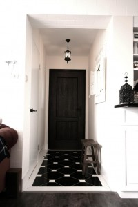 black-white-foyer.jpg (683×1024)