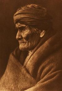 File:Edward S. Curtis Geronimo Apache cp01002v.jpg - Wikimedia Commons