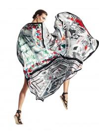 Hermès, FOLLES DE SOIE Carrés* en twill de soie, 90 ×...