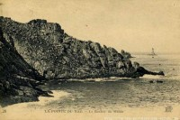 222-la-pointe-du-raz-le-rocher-du-moine-b.jpg (Image JPEG, 700x466 pixels)