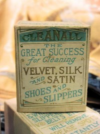 Pretty typography on vintage Cleanall package | Gentle Pure Space