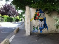STREET ART UTOPIA » We declare the world as our canvasBatman and Robin kissing - By memeIRL in France » STREET ART UTOPIA