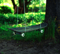 25 Useful Products Made From Repurposed Skateboards | inspirationfeed.com