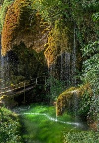 Caves of St. Christopher Labonte, Italy   (10 Beautiful Photos)