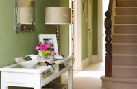 Google Image Result for http://homeklondike.com/wp-content/uploads/2010/10/1-LG-Hallway-Green.jpg