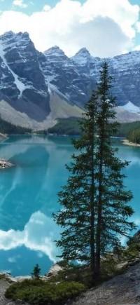 Moraine Lake,Alberta, Canada