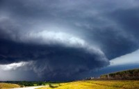 20 Breathtaking Snapshots of Supercell Storms