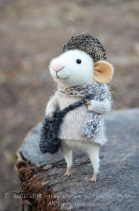Little Traveler Mouse Needle Felted Ornament by feltingdreams