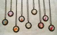 filigree_necklaces_by_bumble_boo-d4dekj4.jpg (Image JPEG, 800x494 pixels)