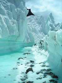 Stunning Picz: Glacier stream on Karakorum Mountains, Northern Pakistan