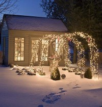 Make an Entrance < 5 Holiday Outdoor Decoration Ideas - MyHomeIdeas.com