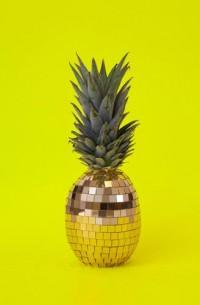 Strange Fruits by Sarah Illenberger - CzytajNiePytaj - Magazyn Online. Sztuka, Moda, Design, Kultura
