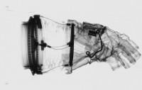 L'intérieur des combinaison spatiale grâce aux rayons X - La boite verte
