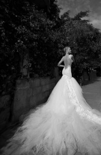 Beautiful Wedding dress with dropped opened back and dramatic train - Wedding Dress - bridal: Ideal white wedding dress by Rose Town