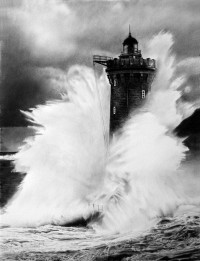 lighthouse_by_francoclun-d57wcrt.jpg (Image JPEG, 783x1021 pixels) - Redimensionnée (60%)