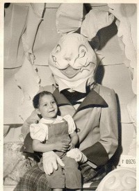Amoebas Amoebas Everywhere! • Scary Easter Bunny!!!! I am afraid of things in...