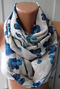 Circle Scarf Infinity Scarf Tube scarf... by ElegantScarfStore