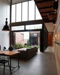 Mesh Atrium House