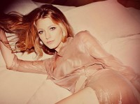 Google Image Result for http://popbee.com/image/2010/09/blake-lively-for-marie-claire-us-october-2010-070910-4.jpg
