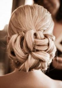 Hairstyles and Hair Accessories | InsideWeddings.com