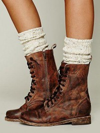 Rugged boots with chunky socks. | mi trabajo