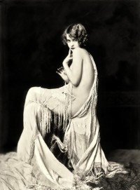 Deep, Dark, & Very Hidden (lesbeehive: Les Beehive – Alfred Cheney Johnston)